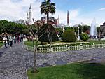 Вид на Святую Софию с площади Султан Ахмет