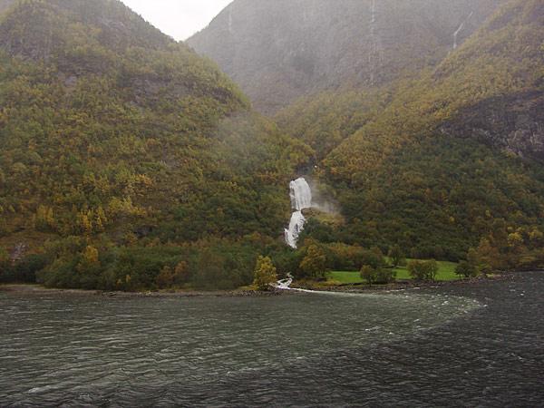 водопады фьорда
