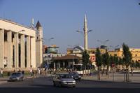 Центральная площадь Тираны