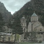 Церковь на грузинской стороне поста Казбеги