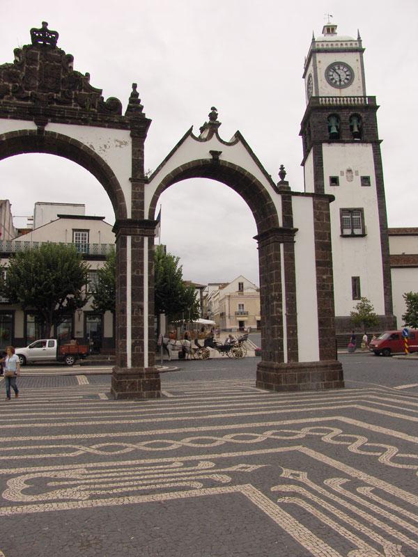 Центральная площадь Понто Делгада