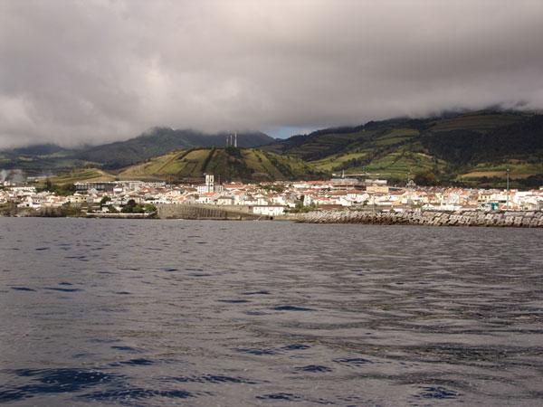 По утрам над Сан-Мигелом висели облака закрывая горы