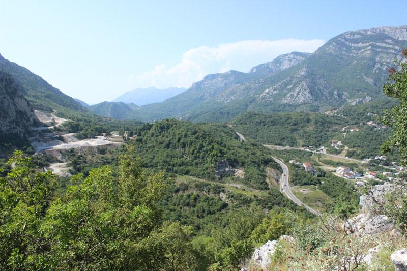 Долина у подножия Хай-Нехай