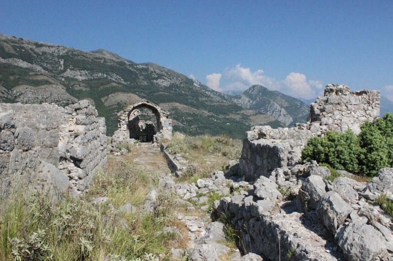 Вид на верхнюю площадку крепости